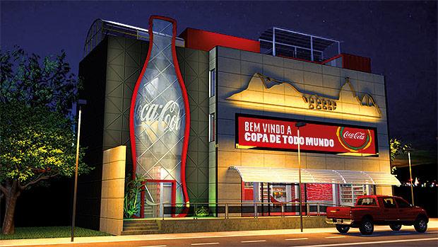 """Casa Coca-Cola montada em frente ao estádio do Maracanã durante a Copa do Mundo de 2014, que integrava a marca ao mote """"Copa de todo mundo"""""""